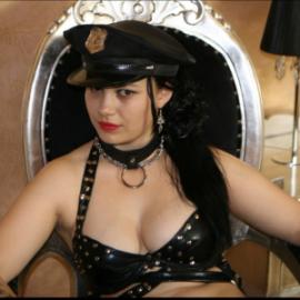 Mistress Ravenna sph